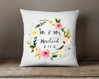 Wedding Gift Pillow, Personalized Wedding Gift, Mr and Mrs, Anniversary Gift, Throw Pillow, Gift For Couple, Bridal Shower Gift, Custom Name