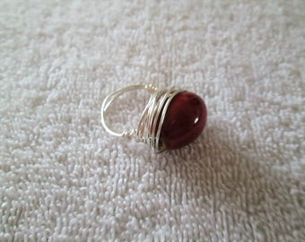 Beaded wire wrap ring, glass bead, size 7