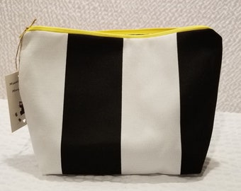Black & White Striped Zipper Pouch