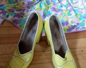 Fly Girl Yellow Pumps for Spring size 39!