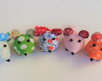 Fabric mouse pins