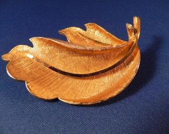 Vintage  Brooch /Pin Leaf Brushed Gold Tone Metal Maeked BSK