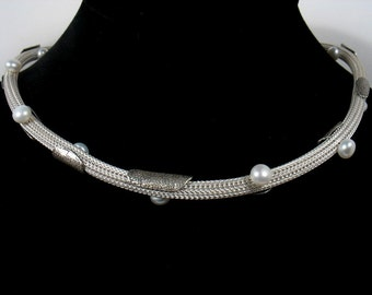 silver mesh chain with silver and pearl elements- Modern Art.