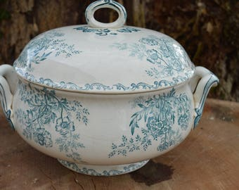 Antique french green tureen with lid  by sarreguemines pattern Eglantines 1900's
