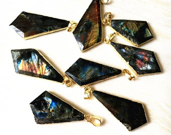 Colorful Labradorite Arrowhead Pendant with 24k Gold Electroplated Cap and Bail (S85B9-14)