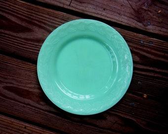 MCKEE JADEITE LAUREL 9 inch dinner plate