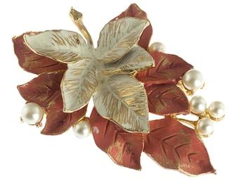 Amerique Lovely Leaf Brooch