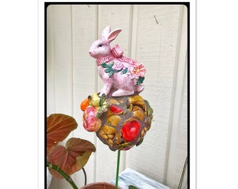 Planter stake, garden stake, plant decor, garden gift, rabbit lover gift, Easter bunny, spring centerpiece,Blush