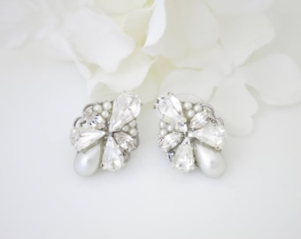 Antique silver wedding earrings-Vintage style rhinestone stud earrings-Swarovski crystal bridal earrings-Bridesmaid jewelry-Pearl earrings