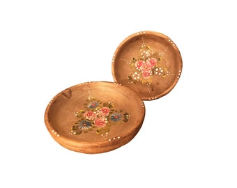 Painted Wooden Bowl Set