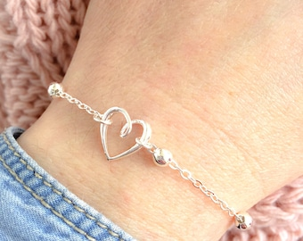 Bracelet with chain with aluminum beads and heart pendant in 925 silver