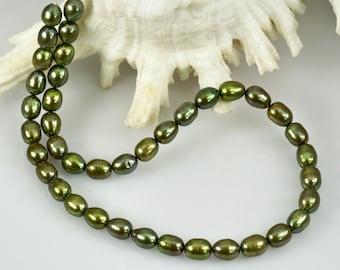 """16.1"""" FRESHWATER PEARLS Strand Lustrous Pistachio Green Oval China 39.18 g"""
