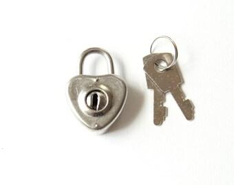 Small Heart Lock and Keys - heart padlock and key . heart shaped lock mini padlock diary lock . mini lock silver heart charm . journal lock