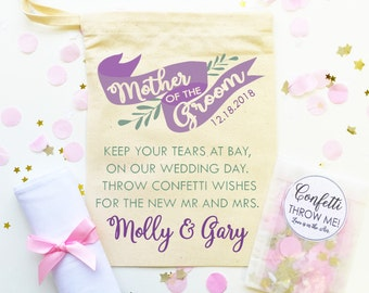 Thank you favour for the Mother of the Groom. Personalised cotton gift bag + Handkerchief + Confetti. Wedding day favor gift.