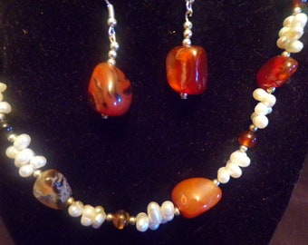 Gemstone and Pearl set