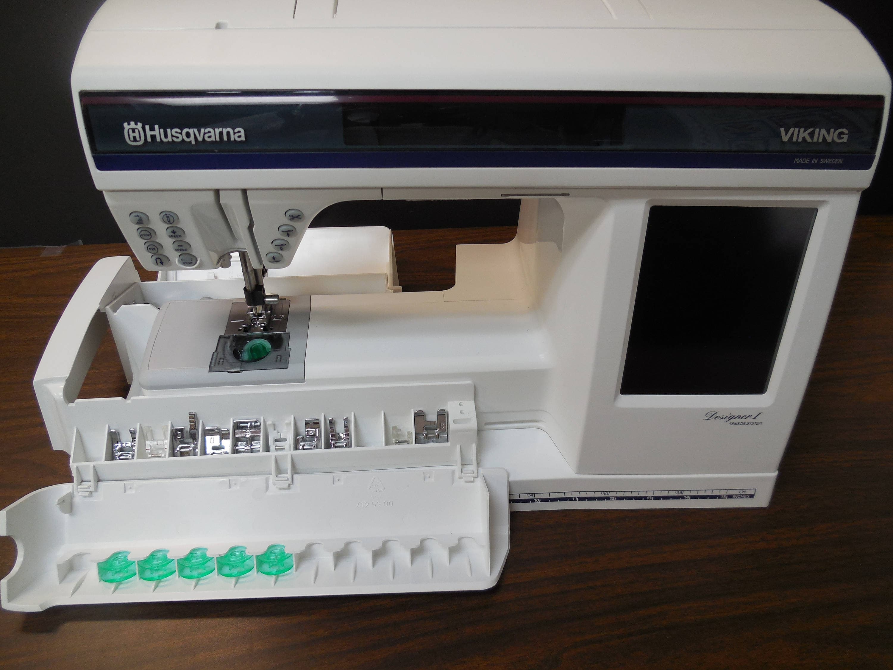 Husqvarna Viking Designer 1 in Pristine Condition