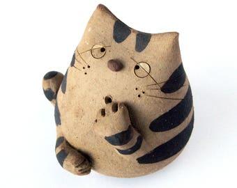 1970s Ceramic Cat Figurine / Whimsical Stoneware Cat / Studio Pottery / Crazy Cat Lover / Cat Collectible / Retro Decor / Ceramic Cat