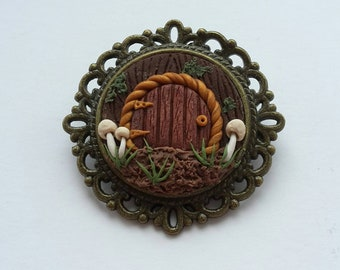 Dainty woodland fairy door brooch - hand sculpted polymer clay