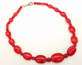 1940's Red Glass Beaded Necklace