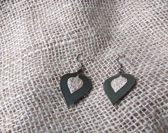 Leather and glitter earrings