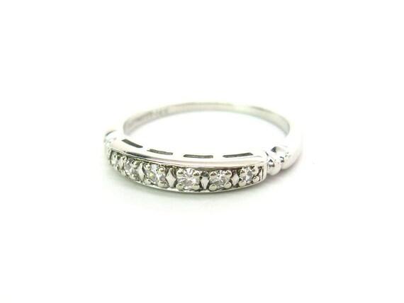 Vintage 14K White Gold Diamond Art Deco Wedding Band Ring