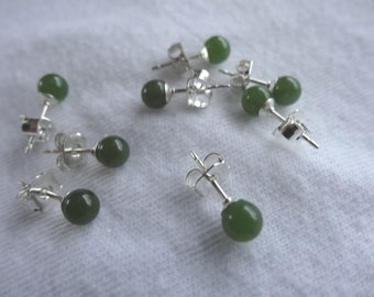 One Pair Hand Crafted Sterling Silver Metal Post or Stud Earrings With Backs Natural 4mm Round Green Jade Stone E75
