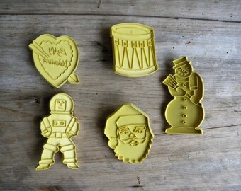 Vintage Cookie Cutters / Stanley Home Products / Retro Cookie Cutters / Astronaut, Valentines, Christmas / Holiday Cookie Cutters