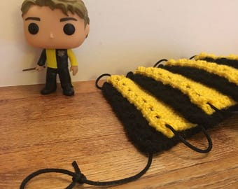 Hufflepuff Knitted Bunting (8 Pieces)