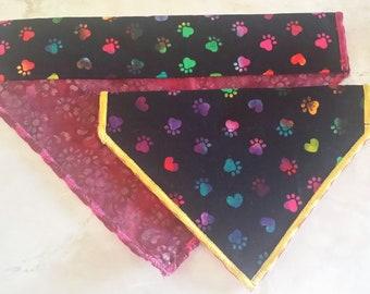PET BANDANAS-Dog n' Cat-Rainbow Paws on Black