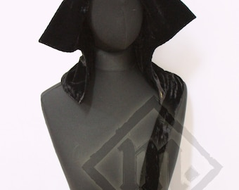 Silk Velvet Women's Open Hood 15th century