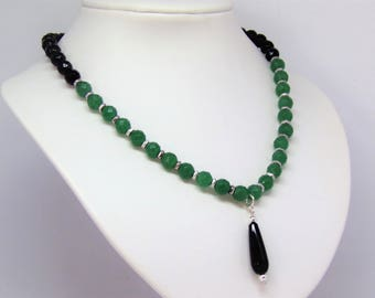 Necklace green aventurine and onyx with an onyx pendant