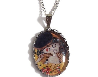 THE KISS Gustav Klimt romantic necklace pendant