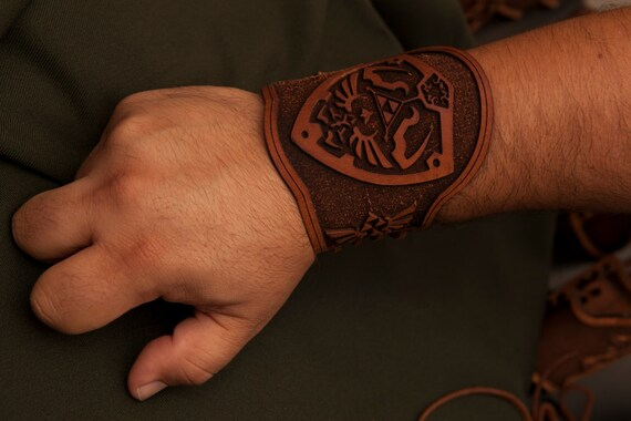 Assassins Creed Inspired Wrist Bracers 4PIJe