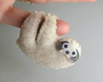 Sloth miniature felt plushie stuffed animal handmade rain forest animal -bendable legs- gift for her- gift for him -boyfriend gift- tan