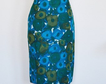 1950's Sunflowers in the Dark    Cape sleeves    Wiggle Dress   