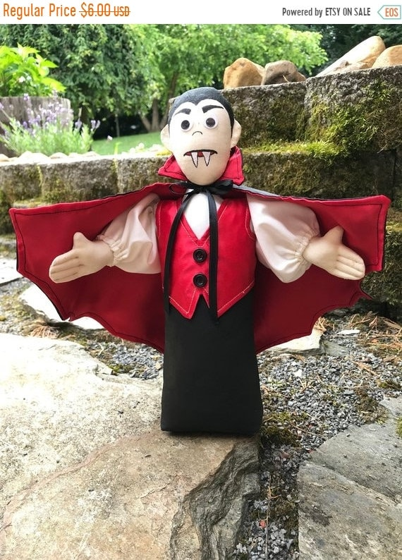 ON SALE Count Dracula FH-173 mailed cloth doll Halloween Vampire free standing stump doll pattern