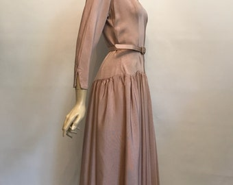 Early 1950s blush Kate Laure Paris grosgrain formal dress 3/4 sleeves - fitted drop waist and full skirt