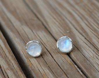 moonstone earrings,moonstone stud earrings,sterling silver earrings,stud earring stone,moonstone studs,gemstone earrings,moonstone jewelry