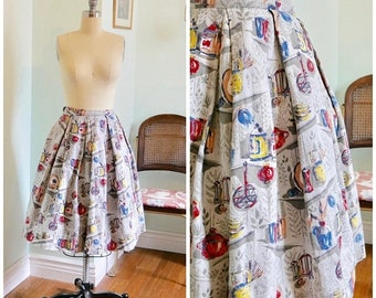FLASH SALE Vintage 1950's Novelty Print Circle Skirt / 50s full skirt teapot leaves kitchen print size xs s