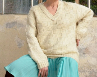 Hand knited sweater pullover french vintage for women for men Vintage pullover Oversize sweater Pullover wool Cream sweater Chunky knit