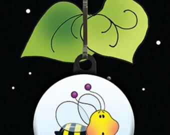 Sweet Little Bee Zipper Charm