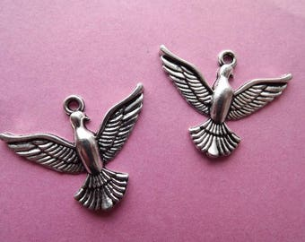 Big Bird/Dove metal silver plated 2 charms/pendants