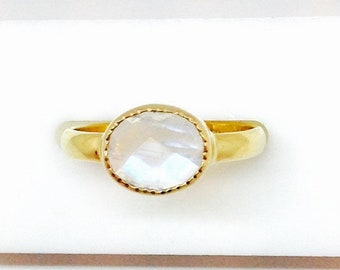 rainbow moonstone 18k gold ring