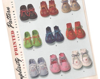 PATTERN SIMPLICITY 2867 baby booties pattern, three styles, one size fits most, new and uncut