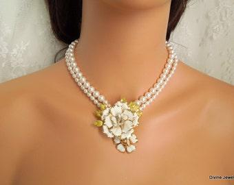 Pearl Necklace, bridal Pearl necklace, Bridal Necklace, vintage pearl necklace, Wedding Pearl Necklace, Vintage Brooch necklace, SALLY