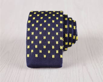 Blue Flat Bottom Check Knit Neckties with Yellow Plaids, 5.5 CM/2.2 Inch Wide Self-Tie Skinny Knit Ties, Men's Vintage Knit Ties-nt.42s