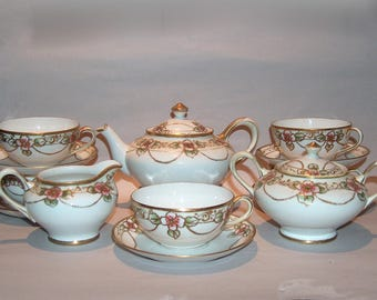 8414: Fantastic Antique Signed NIPPON 15 pc Tea Set Green Wreath M #47 Gold Beaded Hand Painted Antique Porcelain at Vintageway Furniture