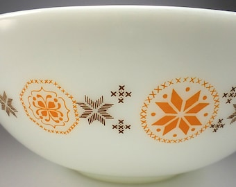 PYREX Town and Country Cinderella Mixing Bowl, Version One, 444, Four Quart, 1963-1967, Baking, Kitchenwares, Replacement