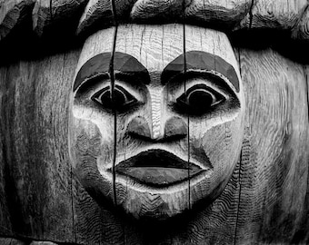Totem Black and White