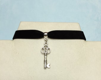 Key Choker~ Skeleton key on black velvet ribbon; key necklace; key jewelry; SILVER or BRONZE  key charm; Skeleton key necklace; Graduation